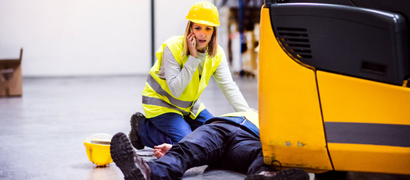 5 workplace first aid skills everyone should have